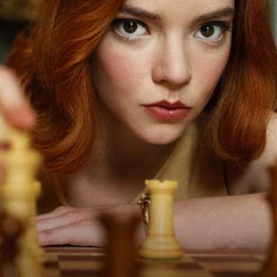 الفن تحت نير السياسة: أميركا تسطو على رقــعة الشطرنج!