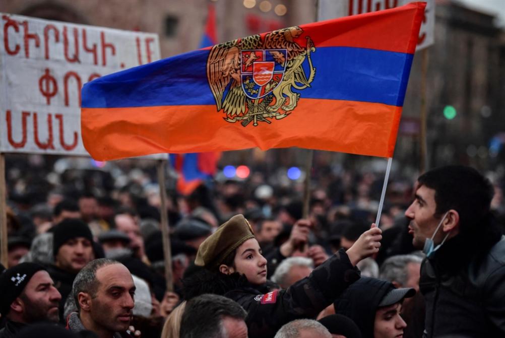 باشينيان يدعو إلى انتخابات مبكرة.... و«الأمن القومي» يدعمه