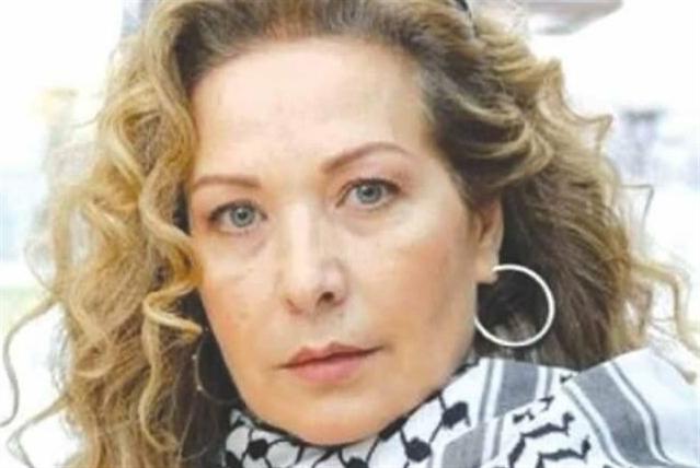 الانتفاضة منعت رغدة من المشاركة في «بودي غارد»