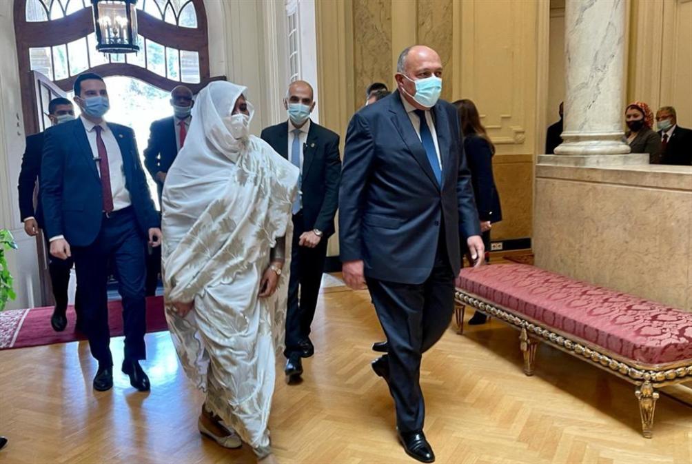 القاهرة والسودان: اتفاقيّة تعاون عسكري... وتمسّك بـ«رباعيّة النهضة»