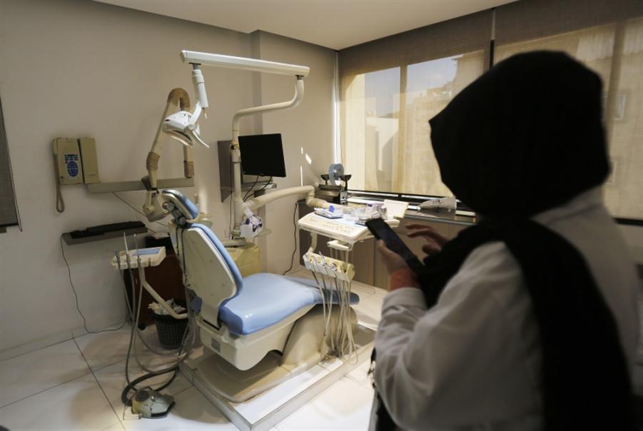 قطاع طب الأسنان: «قطيعة» مع المرضى