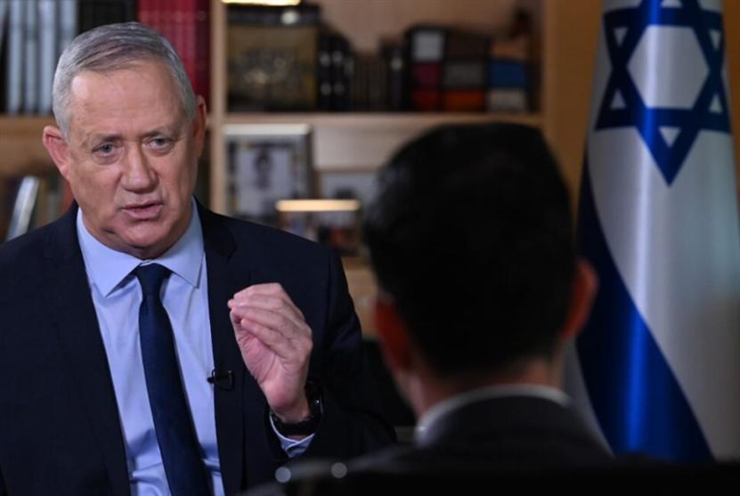 غانتس يكشف عن خطّة لضرب مواقع إيرانية