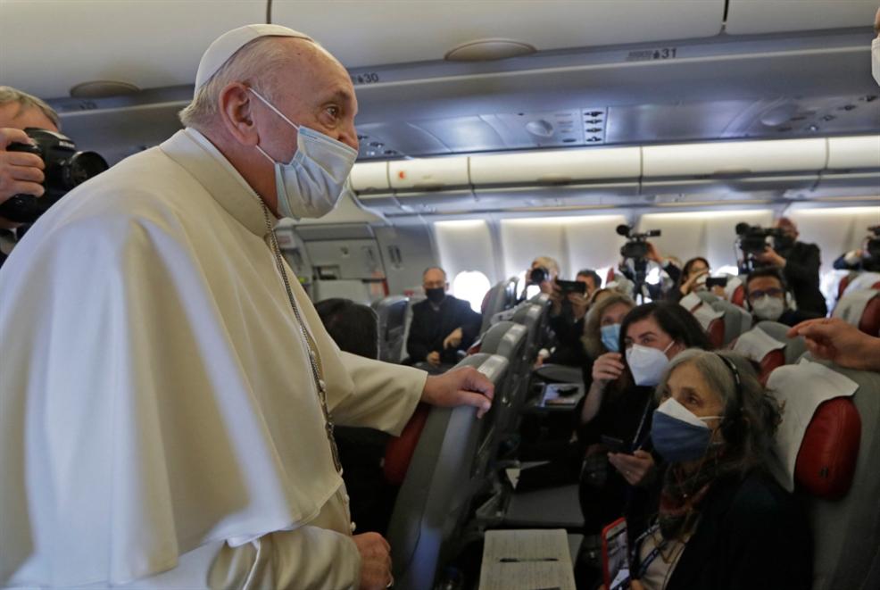 البابا يصل بغداد: «الرحلة جزء من واجب على أرض معذّبة»