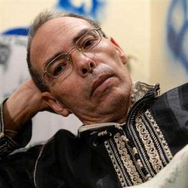 المؤرخ المغربي المعطي منجب يضرب عن الطعام