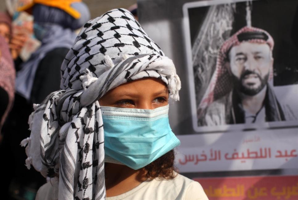 «فتح» تتشظّى إلى ثلاث قوائم: عباس نحو إلغاء الانتخابات؟
