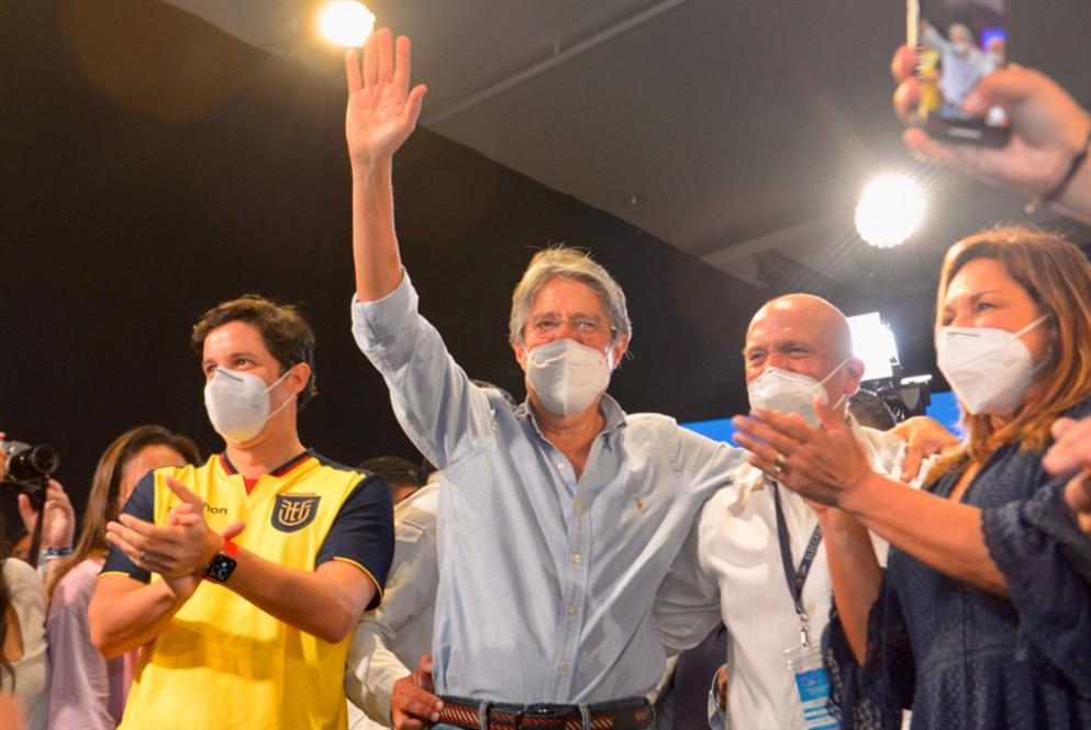 لاسو يعلن نفسه رئيساً للإكوادور