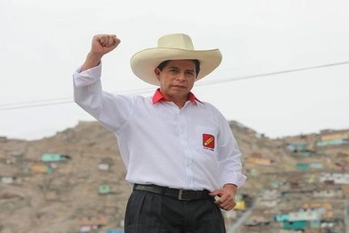 بيرو: فوز المرشح اليساري في جولة الانتخابات الرئاسية الأولى