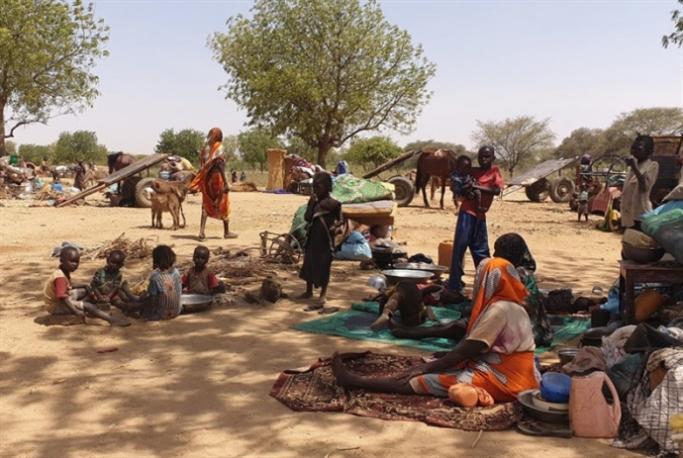 اشتباكات غرب دارفور الدامية: نزوح الآلاف إلى تشاد