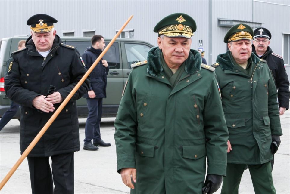 روسيا تردّ على الحشد «الأطلسي»: نشرنا جيشين على حدودنا!