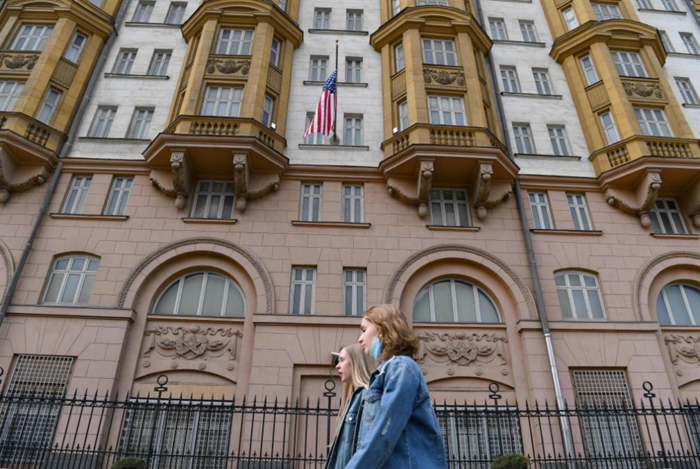 روسيا تستدعي السفير الأميركي بعد عقوبات واشنطن الجديدة