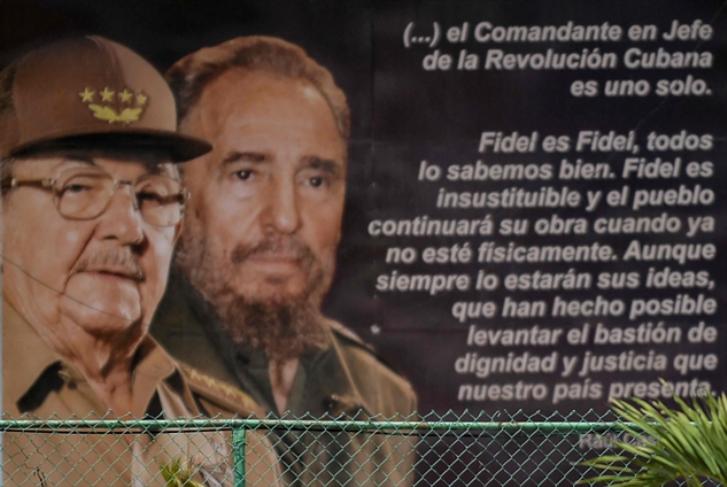 كوبا تطوي صفحة من تاريخها مع تنحّي راؤول كاسترو