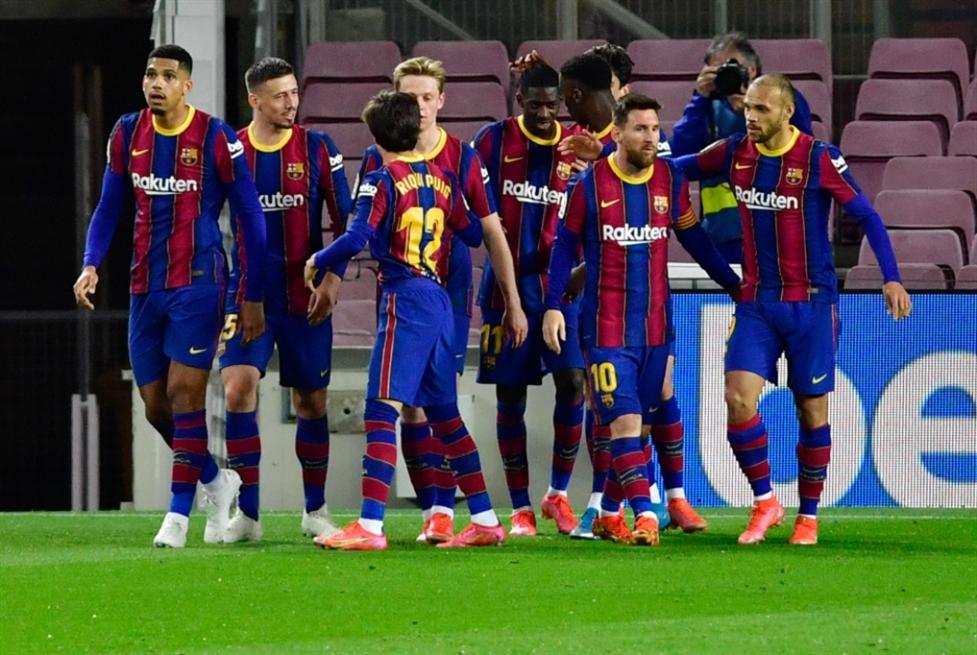 برشلونة يبحث عن حبل نجاة في النهائي