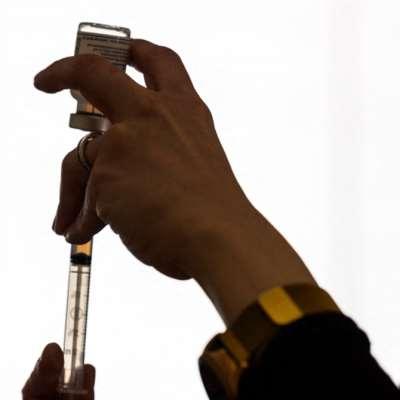 «الأدوية الأوروبية»: لإدراج التجلط الدموي كأثر جانبي نادر لـ«جونسون اند جونسون»