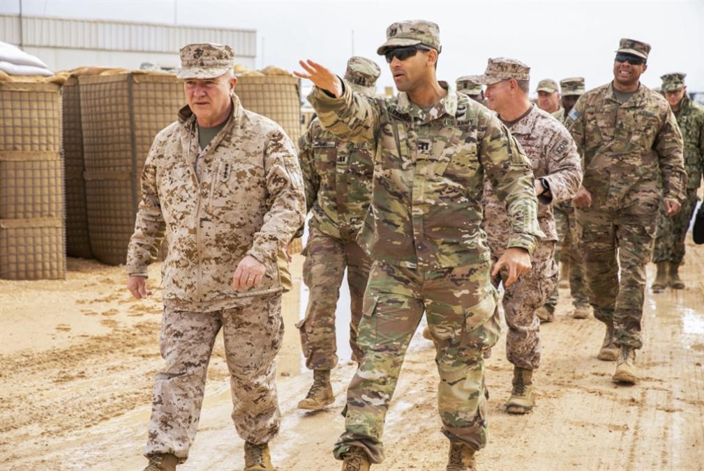 ماكنزي: خيارات بديلة من أفغانستان... ولا انسحاب كاملاً من العراق