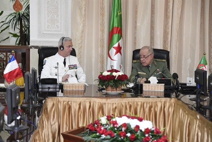 الجزائر تطلب من باريس المساعدة في إعادة تأهيل مواقع التجارب النوويّة
