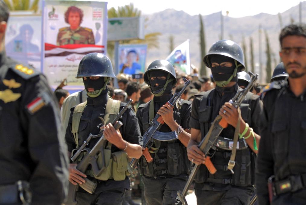 معركة مأرب: السعودية تسحب ما تبَقّى من سلاح ثقيل