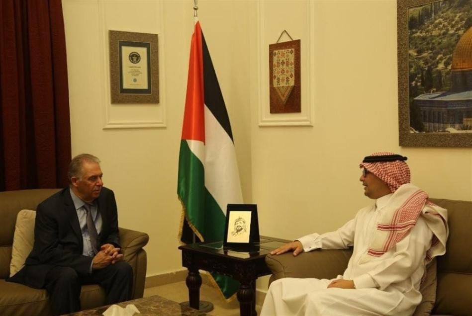 البخاري يزور السفير الفلسطيني: نعمل لإحلال السلام بلا ضجيج
