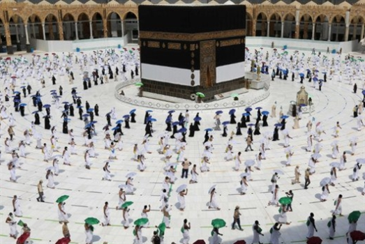 السعودية تعلن إقامة مناسك الحج هذا العام