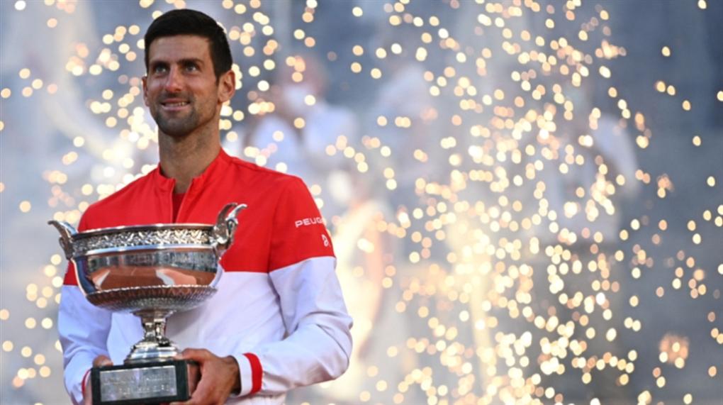 صورة ديوكوفيتش بطلاً لرولان غاروس: لقب واحد يفصله عن الرقم القياسي للألقاب الكبرى