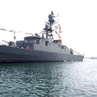 مدمّرة وكاسحة ألغام تنضمان للبحرية الإيرانية