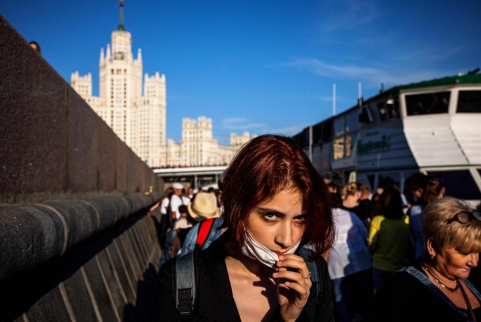 روسيا تسجل 13721 إصابة جديدة بكورونا و371 وفاة