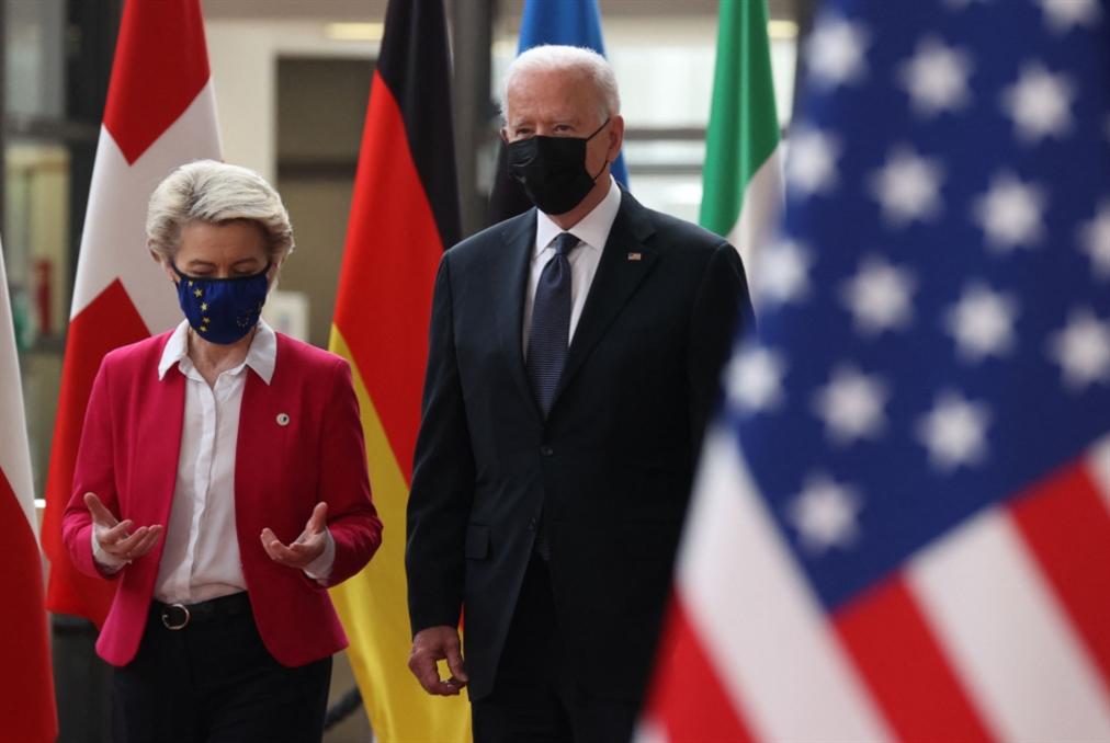 اتفاقٌ يُعلّق حرب الرسوم الجمركية على ضفتي الأطلسي