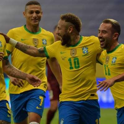 «سحر السامبا» في البطولة الكبيرة: طريق البرازيليين سالكة نحو اللقب