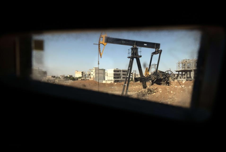 إغراءات أميركية لروسيا: زيادة المعابر مقابل حقول النفط