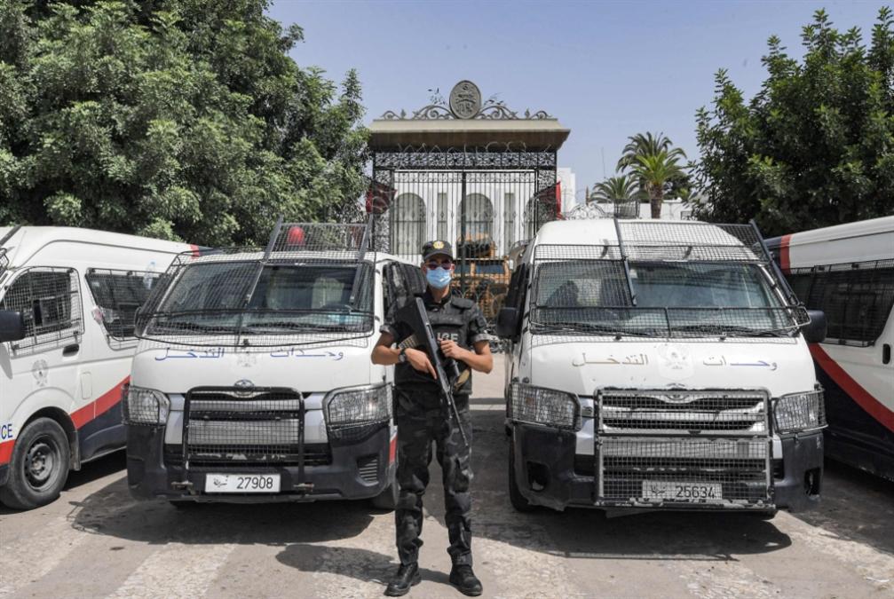 تونس  | عين سعيّد على «الاستفتاء الدستوري»: المرحلة الانتقالية رهن الغموض