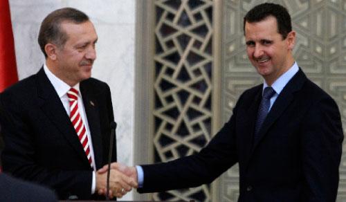 الأسد: بعد 2003 رأينا النار تقترب منّا فطوّرنا علاقاتنا مع تركيا واليوم أصبحنا لاعبين إقليميين (خالد الحريري ـــ رويترز)