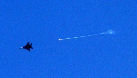 للمرة الثانية تتحدث المقاومة عن استهدافها طائرة حربية إسرائيلية (ياسر قديح ـ آي بي ايه)