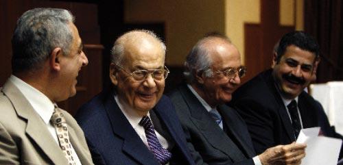 من اجتماع منبر الوحدة الوطنية أمس (مروان طحطح)