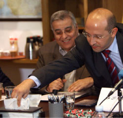 تحول «المركز» مكتباً حزبيّاً نتيجة غياب النقاشات داخل الأحزاب  (أرشيف ــ مروان بو خيدر)
