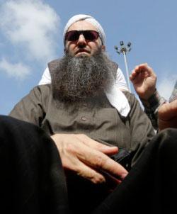 الأسير: لا ثقة بالقضاء العسكري ولن نقبل أحكاماً مشددة على الموقوفين (مروان طحطح)