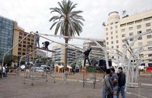 تركيب خيمة عملاقة في ساحة رياض الصلح استعداداً للشتاء (بلال جاويش)