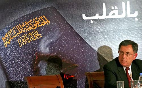 السنيورة يطلق الحملة من السرايا أمس (بلال جاويش)