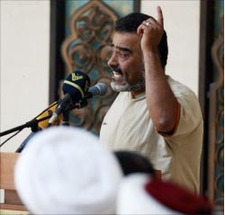 مختار بلدة يارين علي البردان يتحدث في احتفال صور (حسن بحسون)