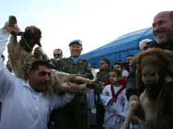 ذبح الأضاحي احتفالاً بالخدمات الكورية في العباسية (حسن بحسون)