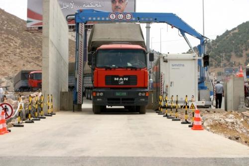 جهاز السكانر للكشف على الشاحنات (عفيف دياب)