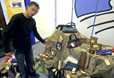 أحد المشاركين في المعرض (مروان طحطح)
