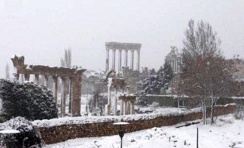 الثلوج تغطي قلعة بعلبك (علي يزبك)