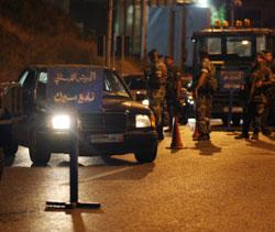 حاجز للجيش ليل أمس في منطقة تلّة الخياط (هيثم الموسوي)