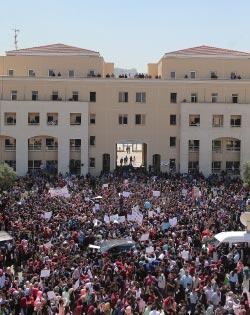 الحكومة للتفاوض مع «دنش» لاستيعاب غالبية الموظفين (هيثم الموسوي)