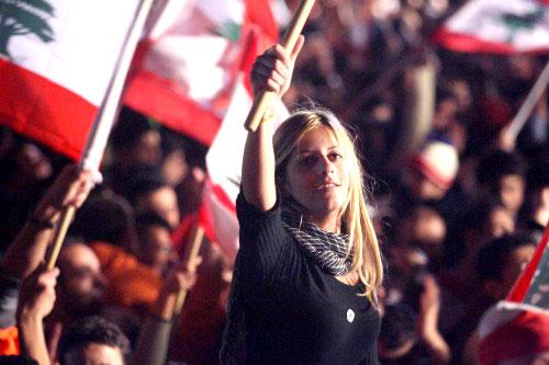 العلم اللبناني سيّد الساحة (هيثم الموسوي)