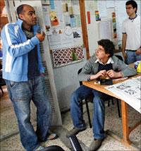 خلال الاجتماعات التحضيرية للمهرجان (مروان طحطح )