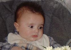 الطفلة بيرلا أبو عبّود