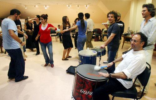 يتعلمون الرقص في الجامعة الأميركية (هيثم الموسوي)