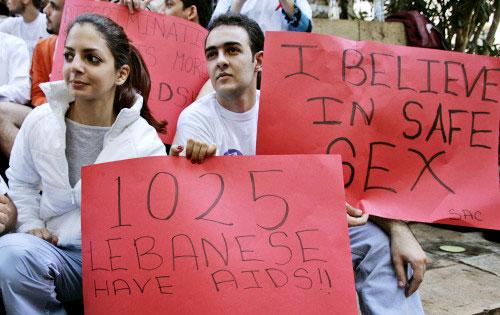 1025 لبنانياً يعنون من السيدا (حسن الملا ــ أب)