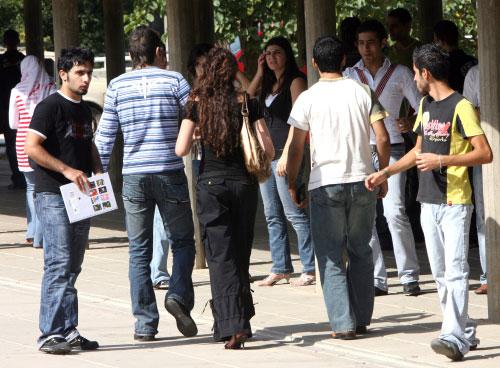 الطلاب داخل المجمع الجامعي في الحدث (أرشيف - وائل اللادقي)