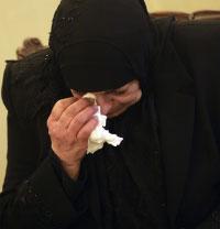 أبدى الأهالي انزعاجهم من الطريقة التي تنقل بها أجزاء الضحايا إلى المستشفى (بلال جاويش)